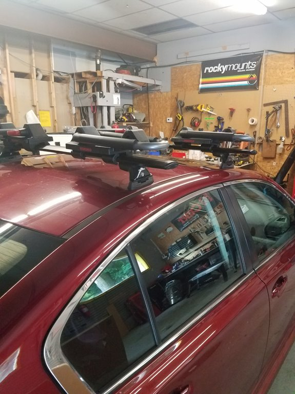 Subaru Legacy 4dr Base Roof Rack Systems installation