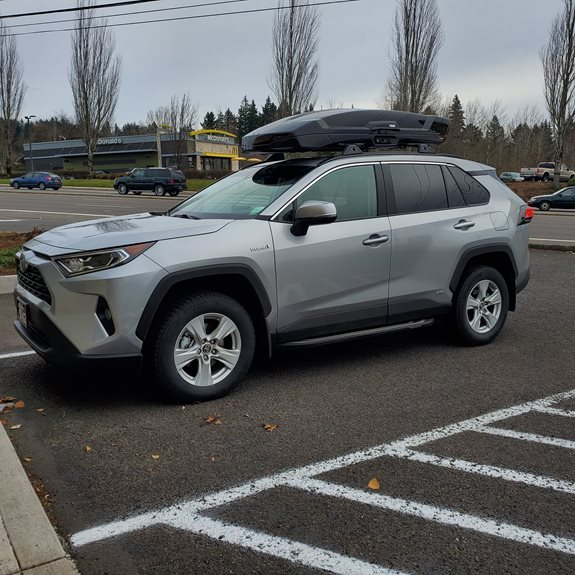 Thule's newest and coolest cargo box, The Vector, looks great on this Rav4!