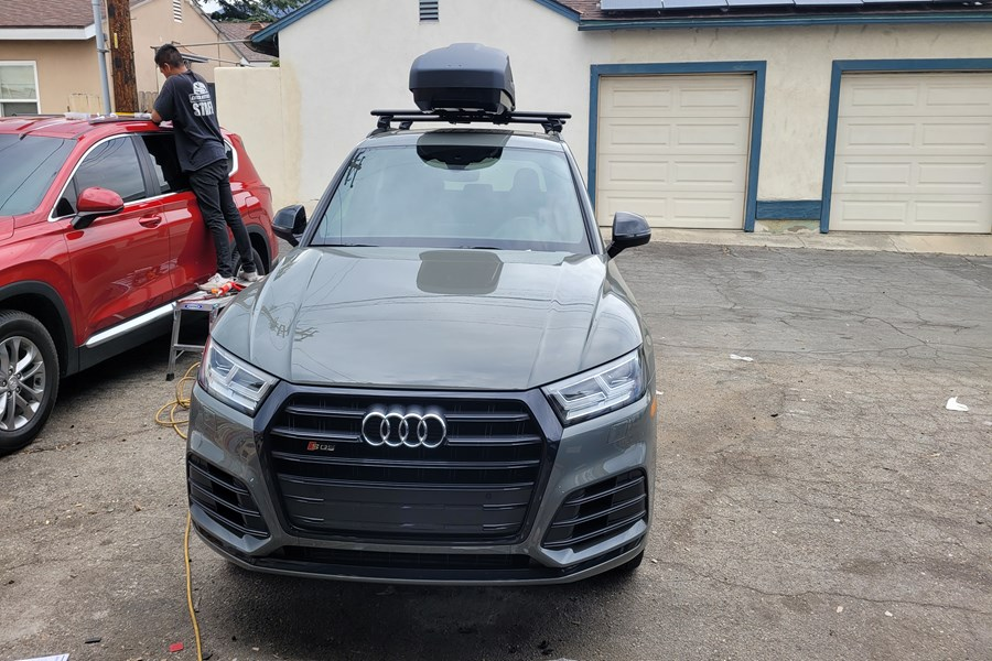 Audi Q5 Base Roof Rack Systems installation