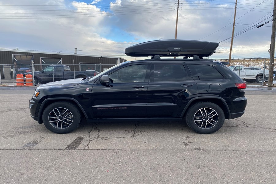 Jeep Grand Cherokee Cargo & Luggage Racks installation