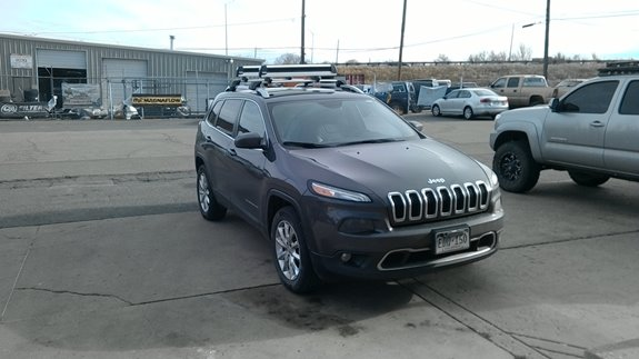 The 2017 Jeep Cherokee Has A Great Side Rail For Whispbar Flush Bar Base Rack System And Thule Ski