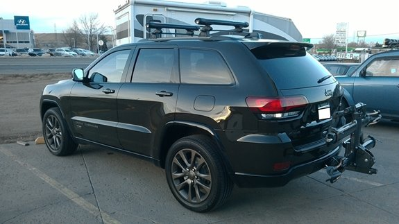Wonderful This 75th Anniverery Jeep Grand Cherokee Has A Yakima FatCat 6 Ski Rack And  A Kuat NV 2.0 Bike Rack (Rack Attack Golden)