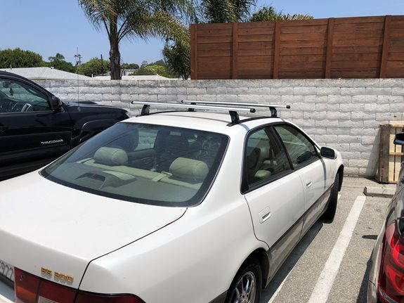 Lexus ES300 Base Roof Rack Systems installation