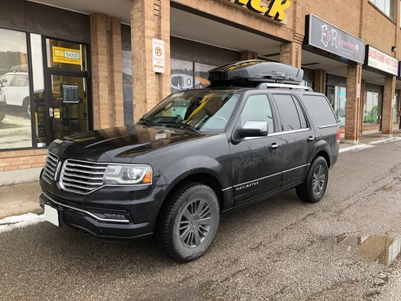 Lincoln Navigator Cargo & Luggage Racks installation